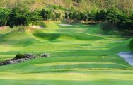 St Andrews 2000 Country Club carries some of the finest golf course around Pattaya