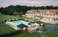 Mercure Chantilly Outdoor Pool