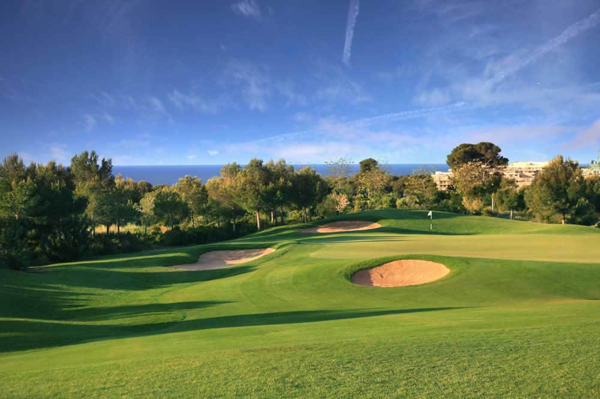 Lumine Hills carries several of the most excellent golf course in Costa Dorada
