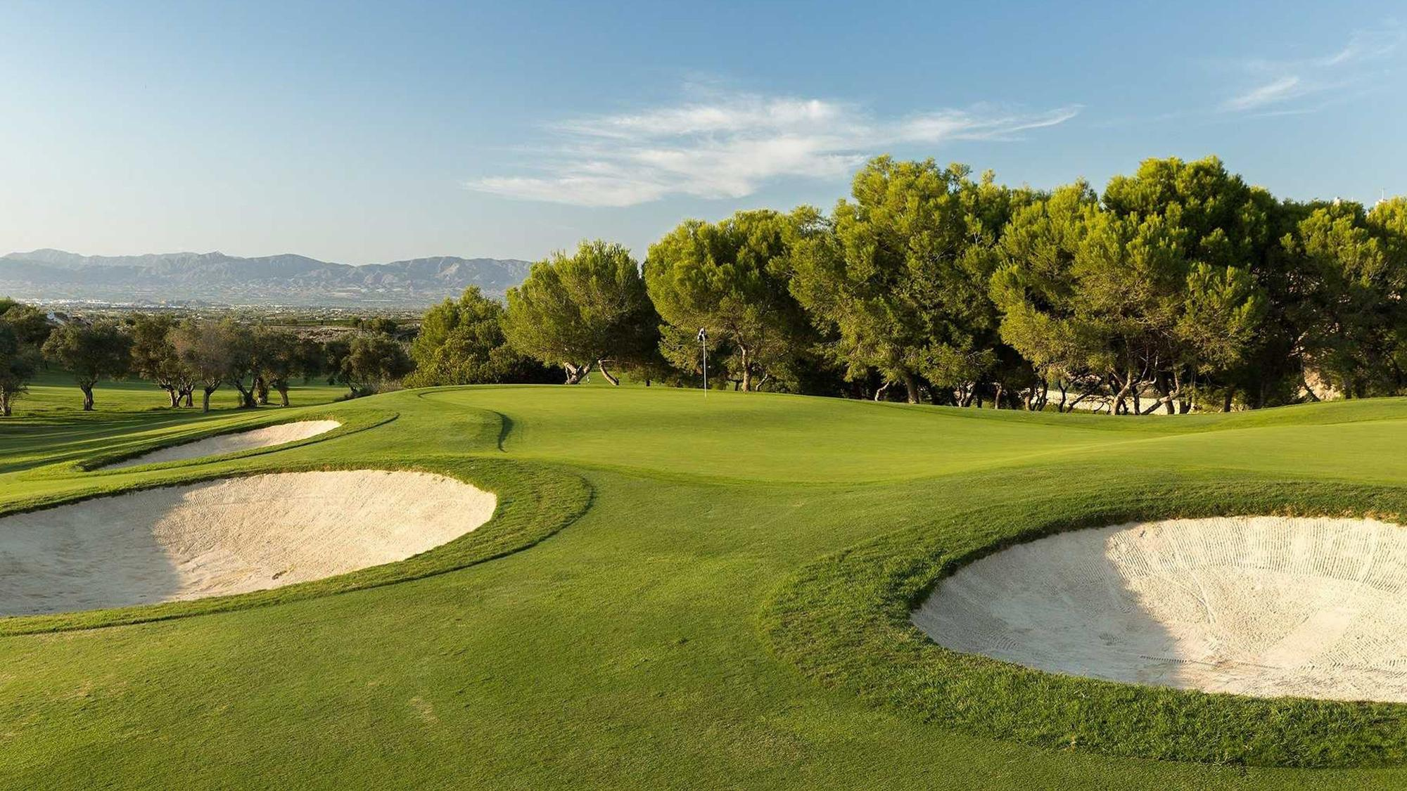 View La Finca Golf Club's lovely golf course in brilliant Costa Blanca.
