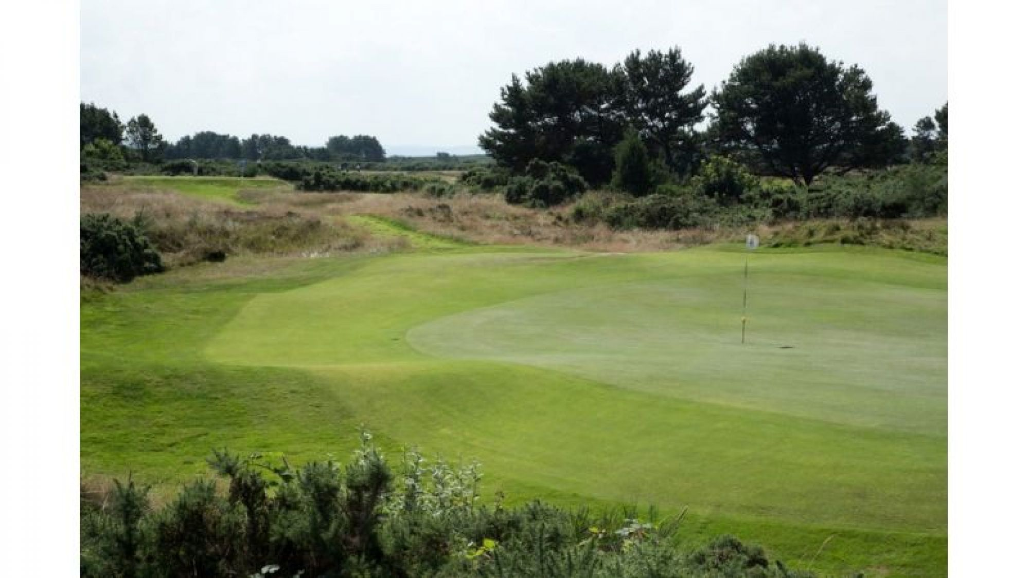 View Gailes Links's lovely golf course situated in pleasing Scotland.