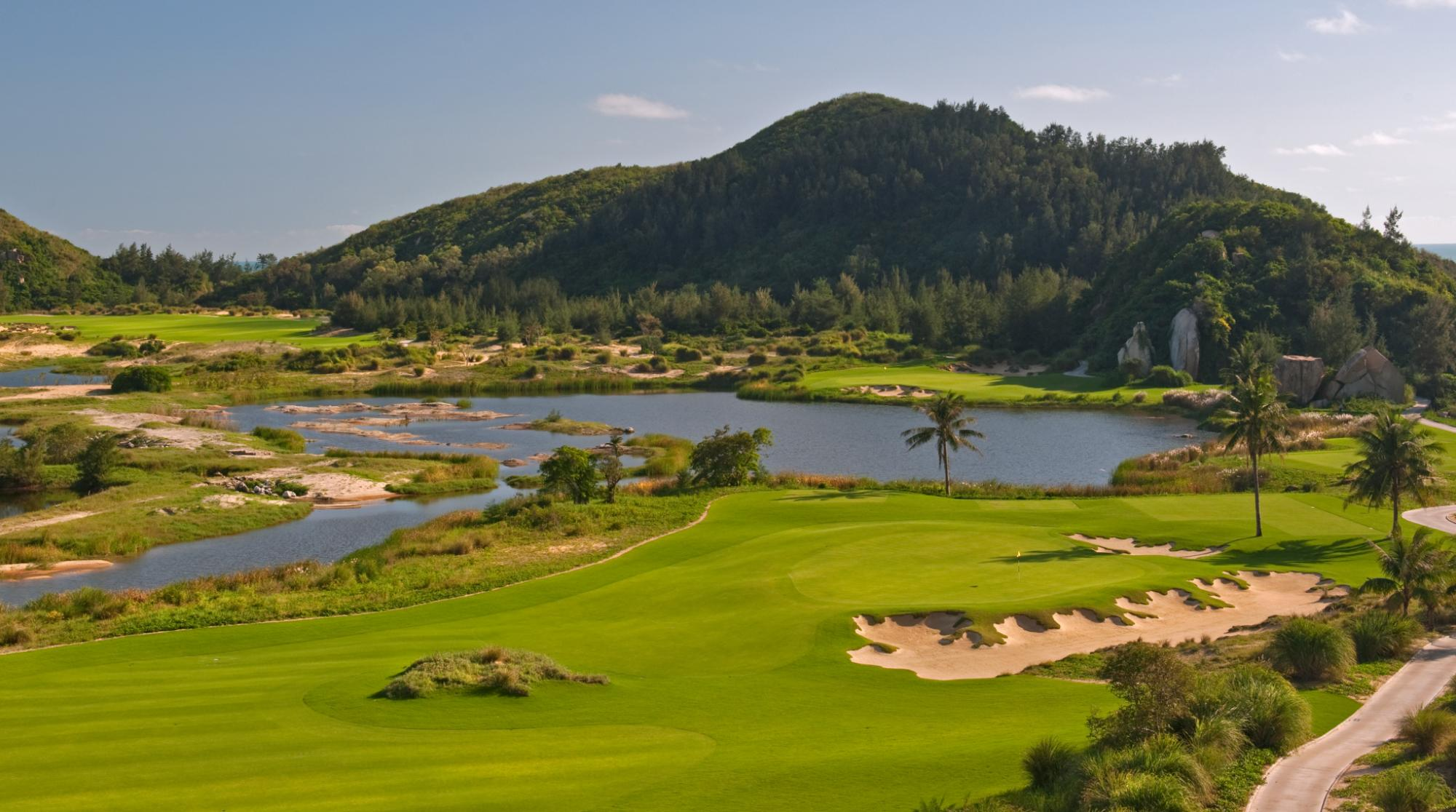 The Dunes at Shenzhou Peninsula has some of the most desirable golf course around China