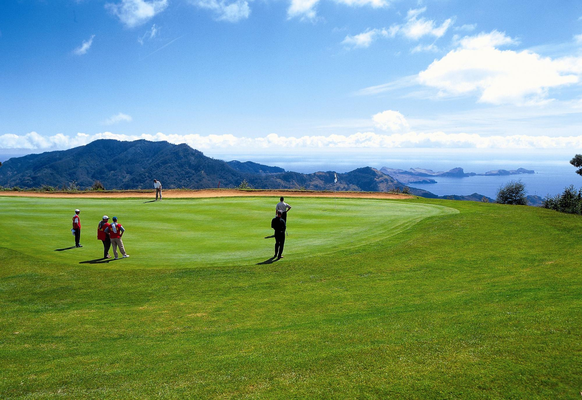 View Santo da Serra Golf Club's beautiful golf course situated in marvelous Madeira.