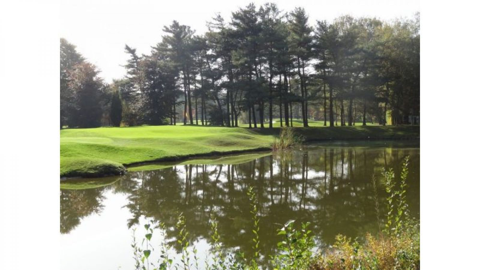 View Keerbergen Golf Club's picturesque golf course within striking Brussels Waterloo & Mons.