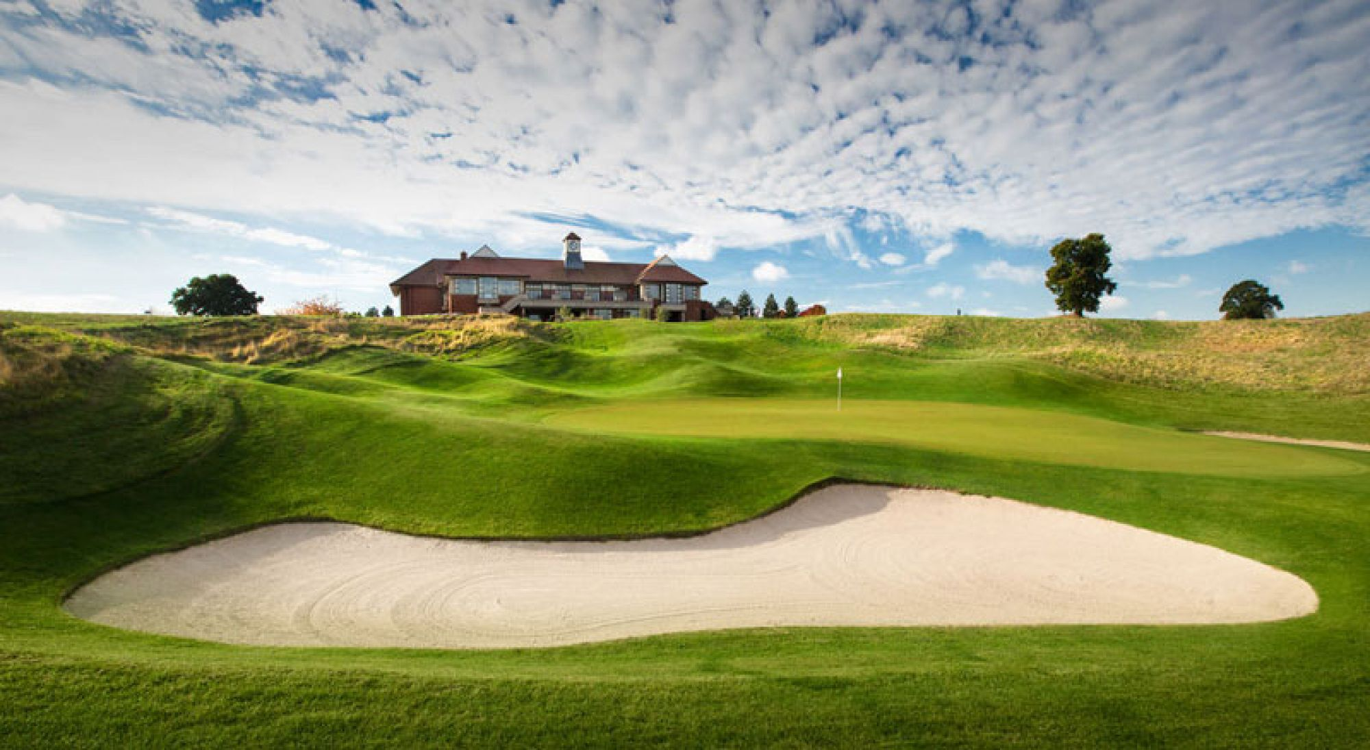 View The Oxfordshire Golf Club's beautiful golf course situated in amazing Oxfordshire.