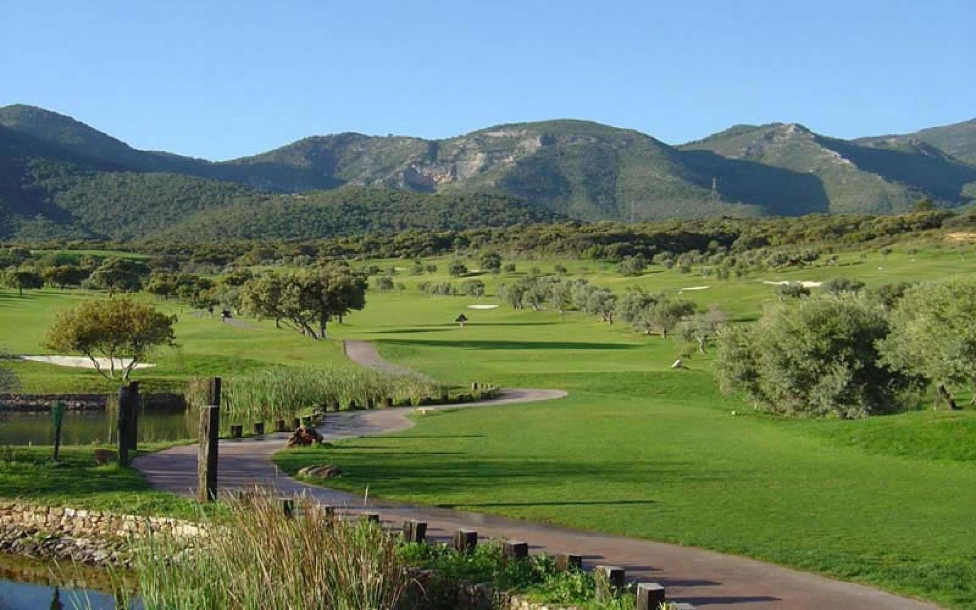 Lauro Golf Club consists of lots of the premiere golf course around Costa Del Sol