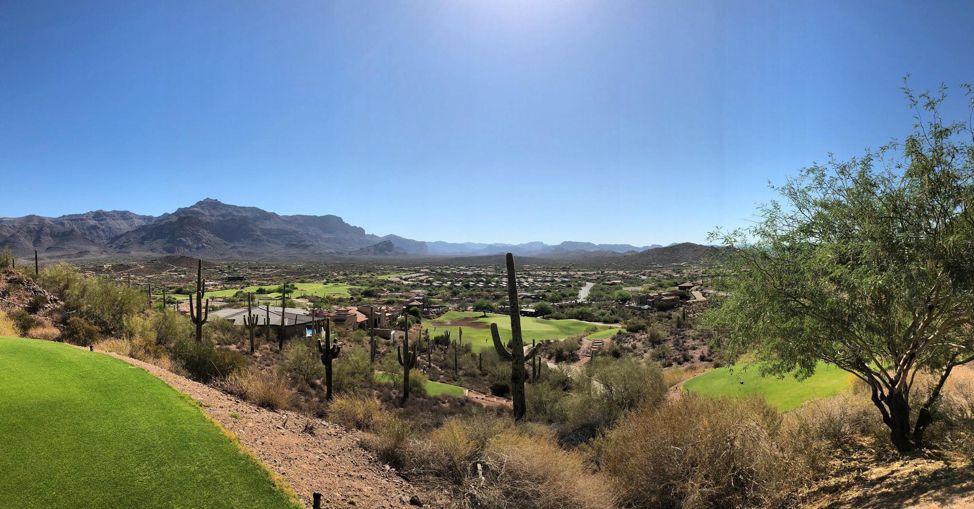 Gold Canyon Golf carries some of the finest golf course near Arizona