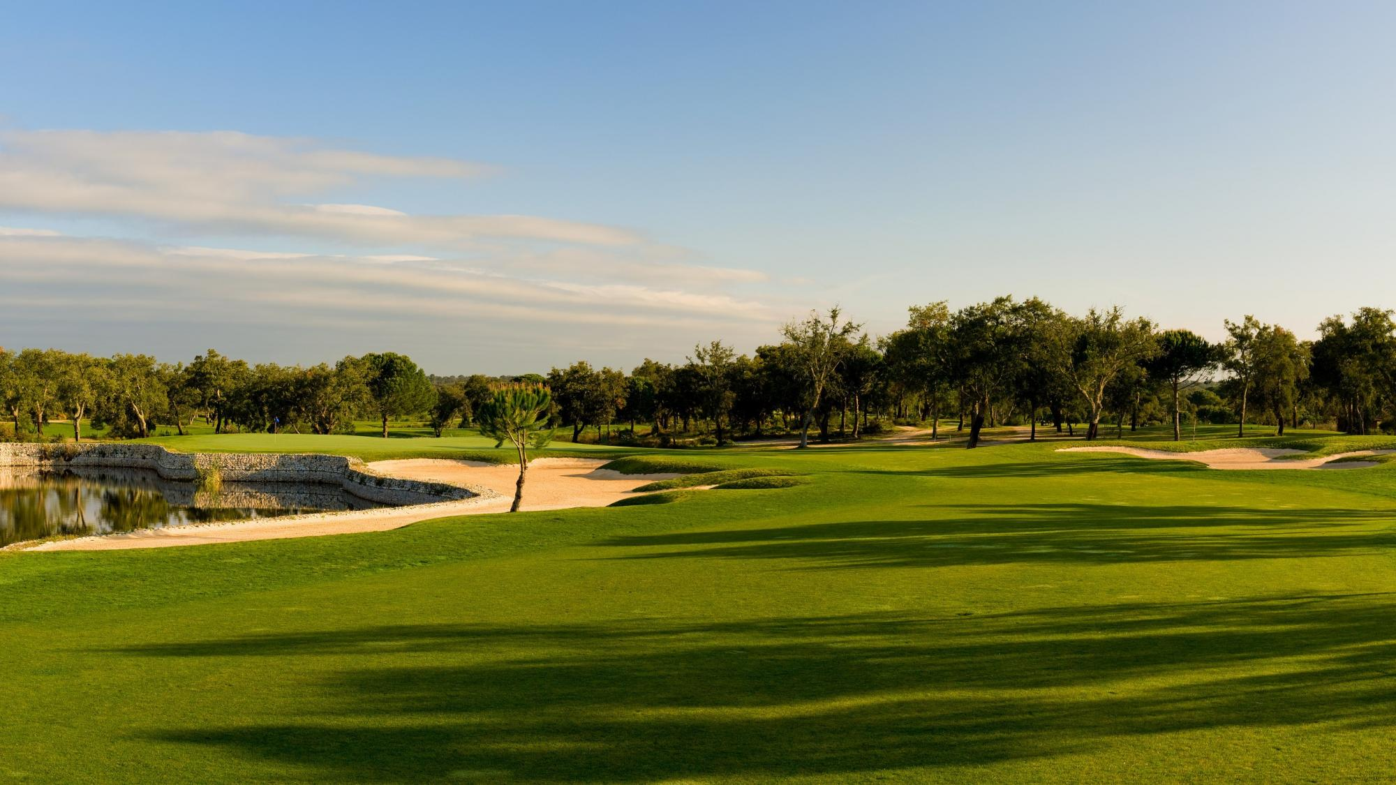 Riba Golfe 1  boasts lots of the preferred golf course near Lisbon