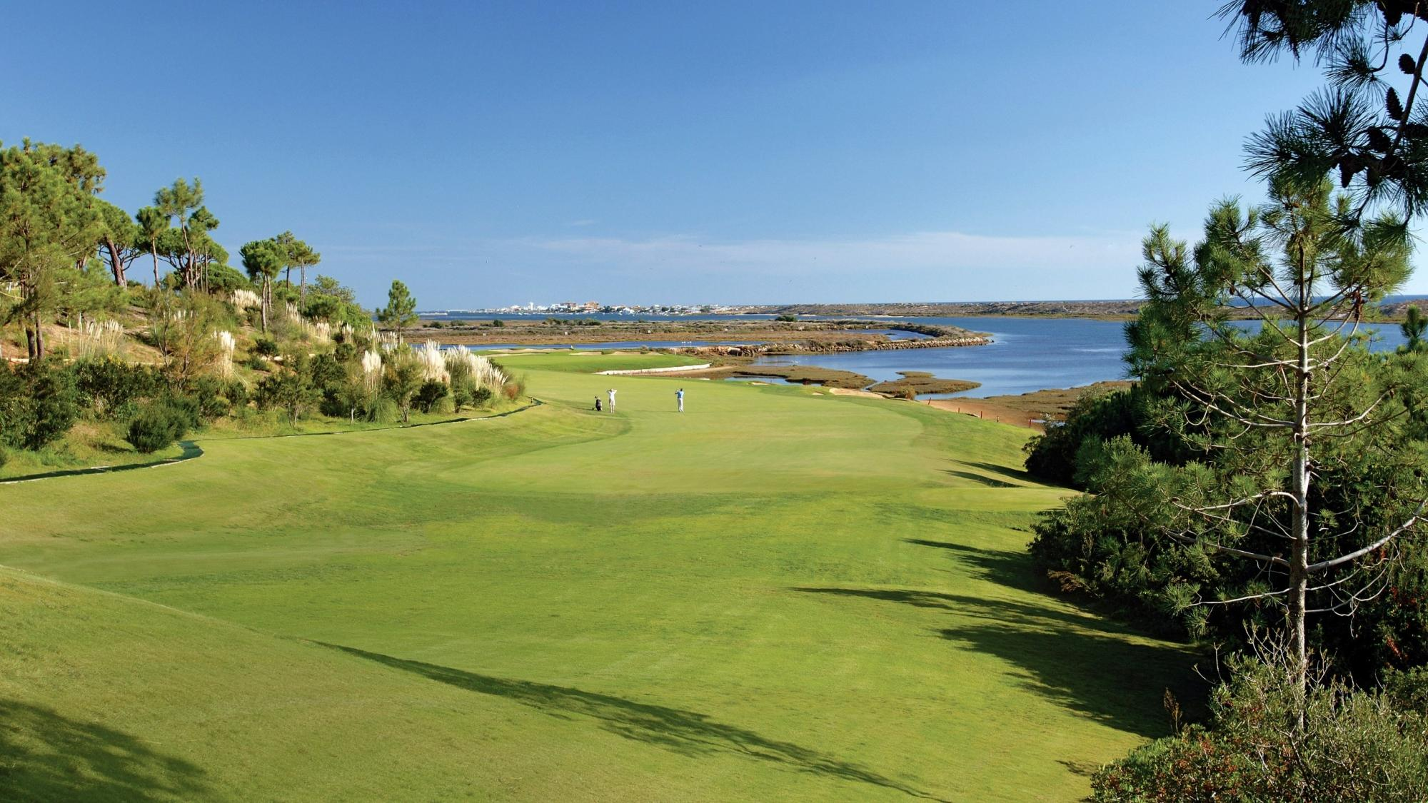 The Bonalba Golf Course's beautiful golf course situated in marvelous Costa Blanca.