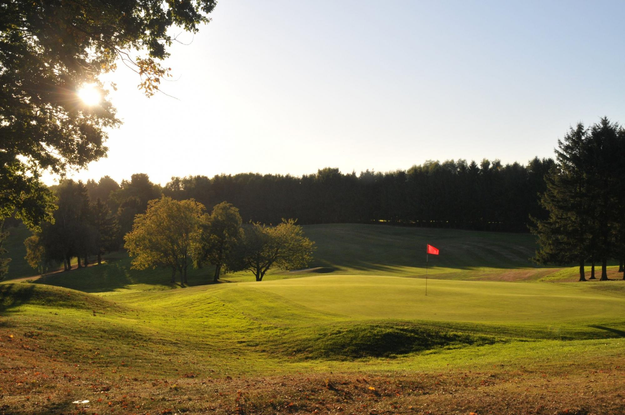 View Golf Club de Louvain-la-Neuve's beautiful golf course within dramatic Brussels Waterloo & Mons.