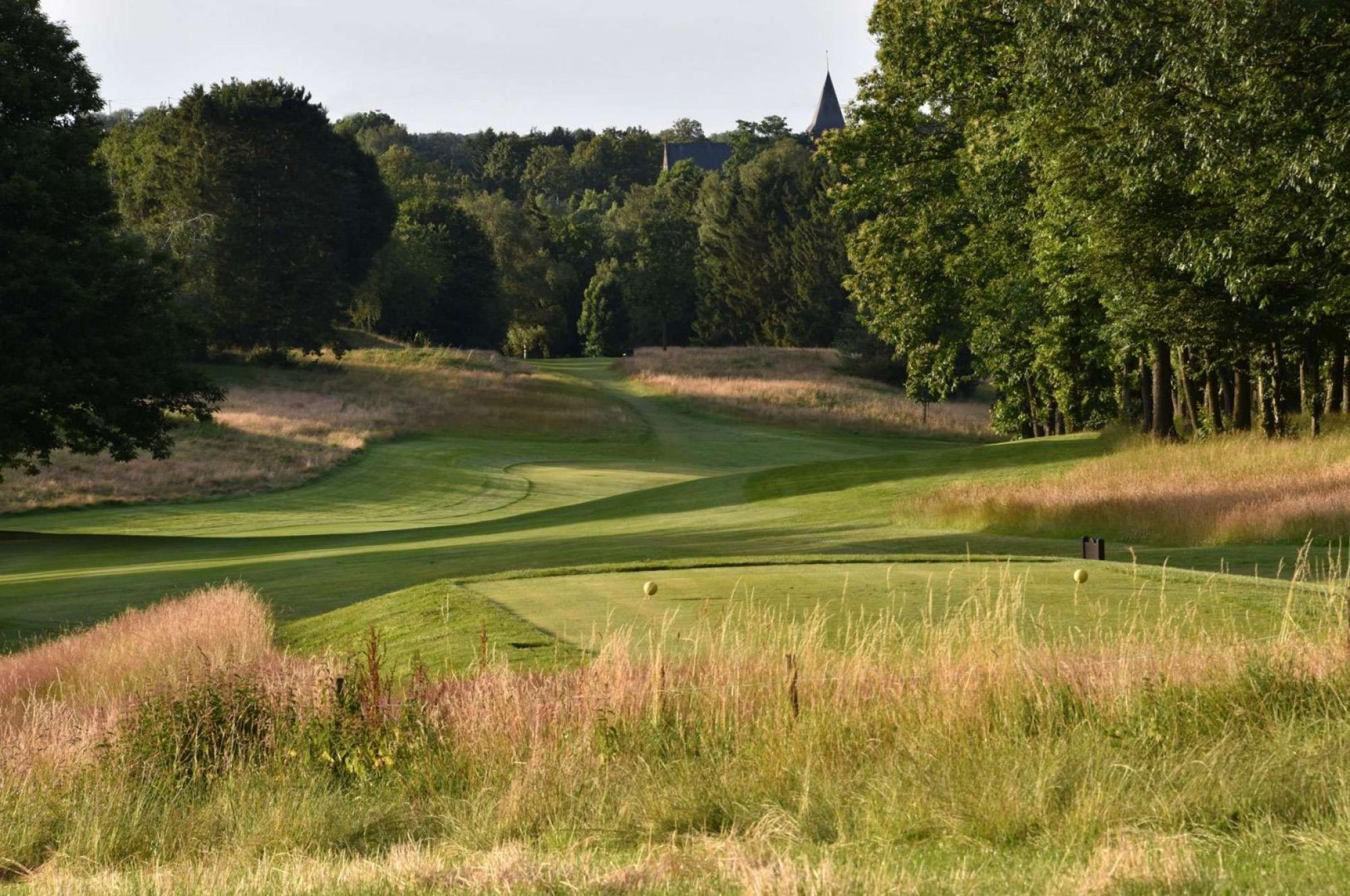 View Royal Waterloo Golf Club's picturesque golf course within striking Brussels Waterloo & Mons.