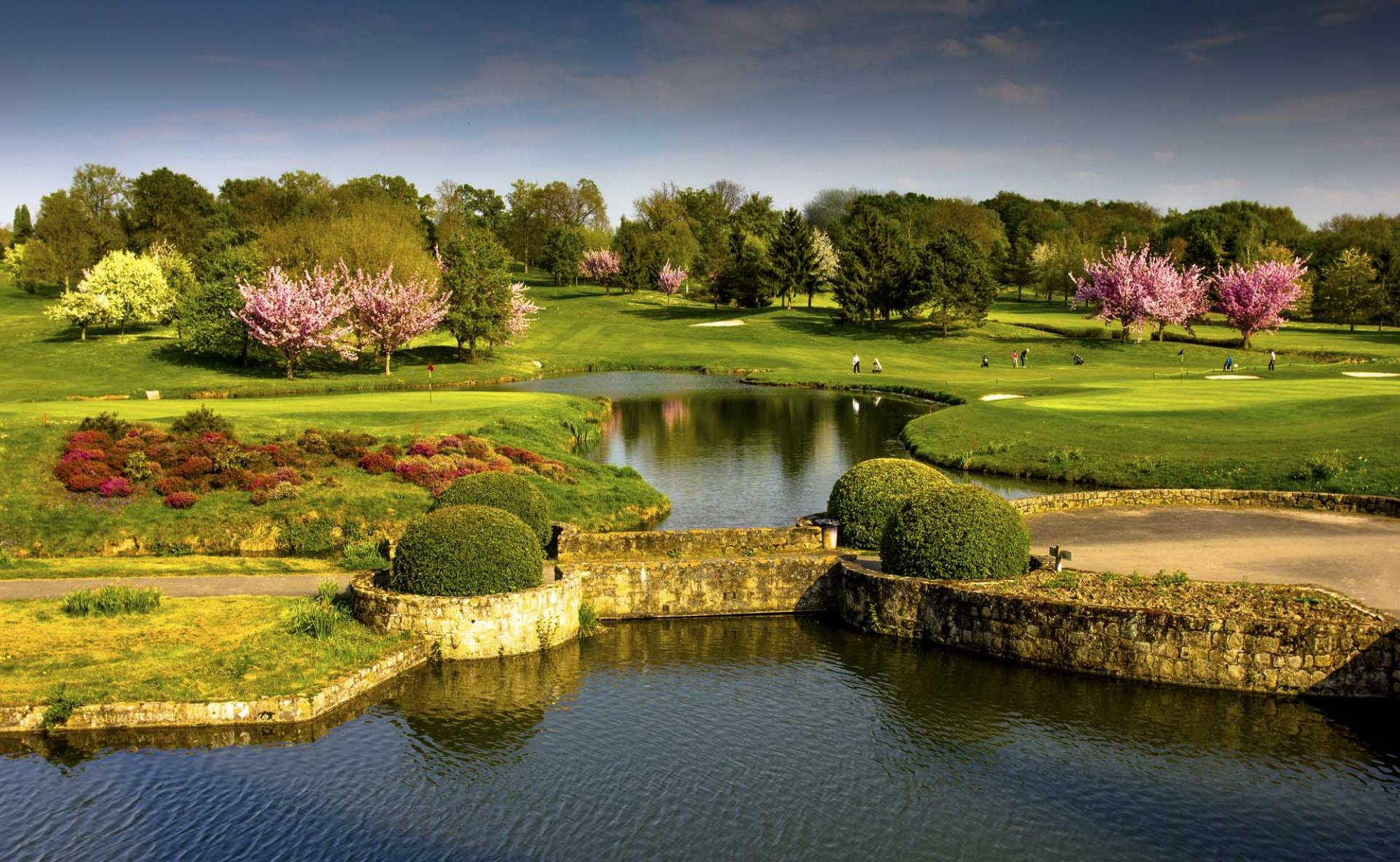 View Cely Golf Club's lovely golf course situated in brilliant Paris.