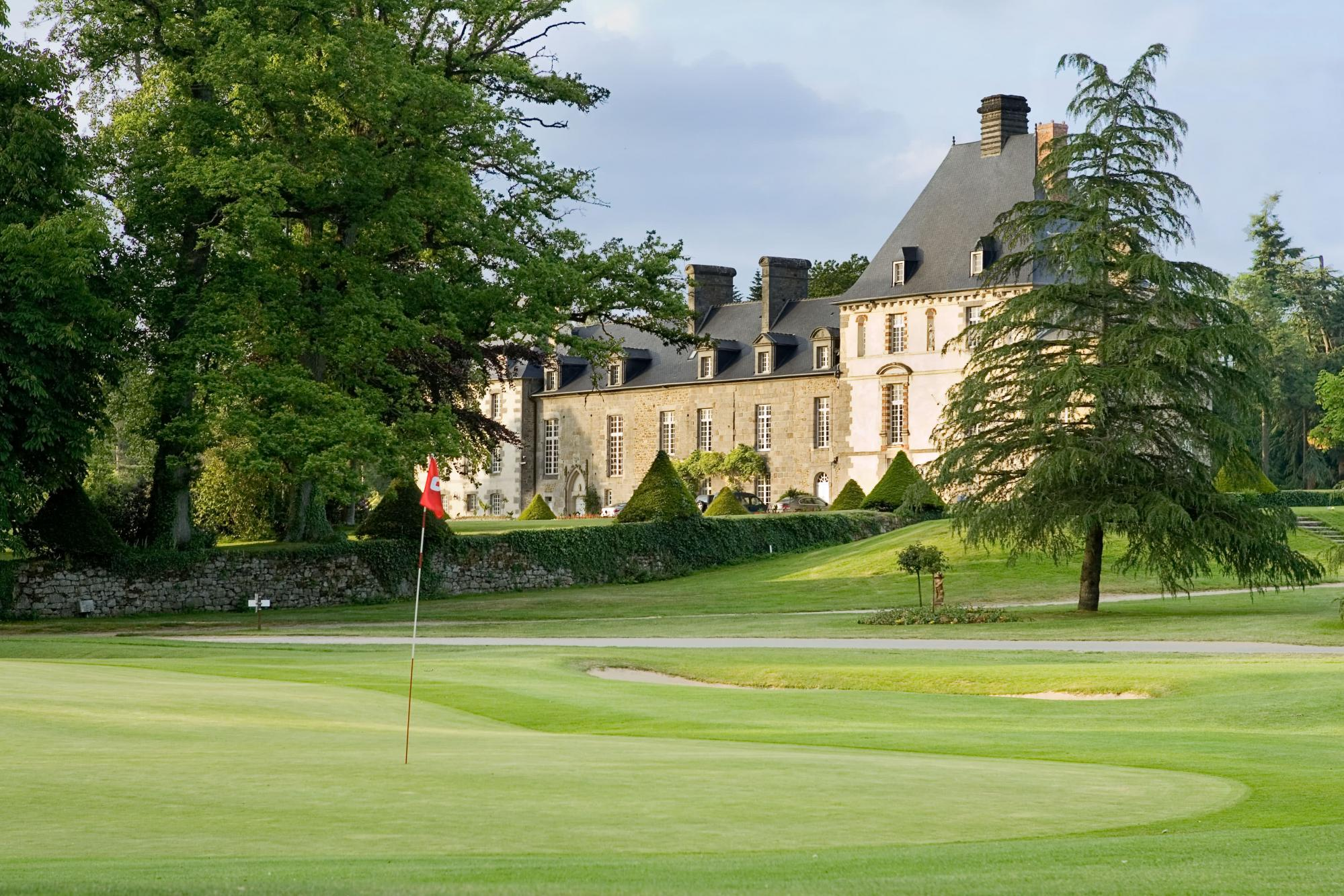 The Golf Les Ormes's lovely golf course situated in marvelous Brittany.