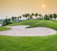 The Pattana Sports Club's lovely golf course within fantastic Pattaya.