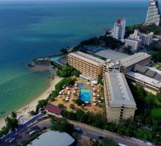 View Dusit Thani Hotel's lovely sea view in astounding Pattaya.