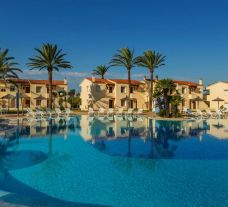 The Las Palmeras Hotel's scenic main pool situated in gorgeous Costa Del Sol.