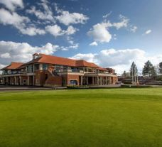 The Oxfordshire Golf Hotel's beautiful hotel in striking Oxfordshire.