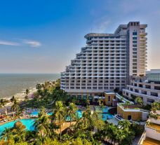 The Hilton Hua Hin Resort and Spa's scenic hotel situated in dramatic Hua Hin.