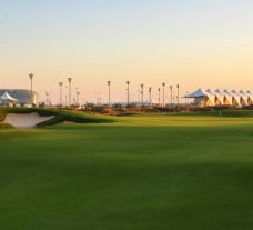 View Yas Links's beautiful golf course situated in marvelous Abu Dhabi.