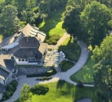 Golf de Fontainebleau provides several of the finest golf course within Paris
