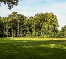 View Golf du Sart's lovely golf course in marvelous Northern France.
