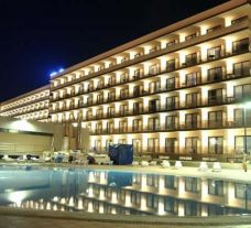 VIK Gran Hotel by night