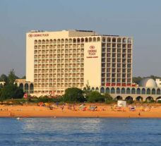 the 5-star crowne plaza hotel vilamoura