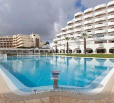Hotel Brisa Sol hosts a great main pool within Algarve