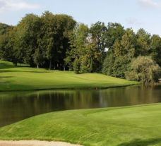 View Golf Chateau de la Tournette's picturesque golf course in dramatic Brussels Waterloo & Mons.