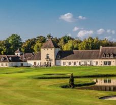 View Golf d Apremont's picturesque golf course situated in fantastic Paris.