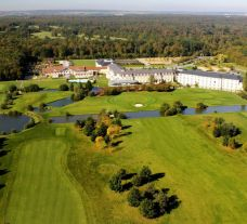 Garden Golf Foret de Chantilly has got some of the top golf course near Paris