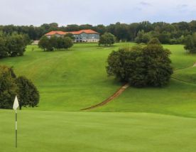 Saint-Omer Golf carries several of the best golf course around Northern France