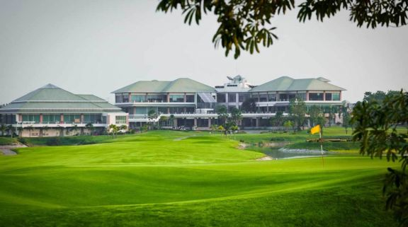 All The Pattana Sports Club's beautiful golf course within marvelous Pattaya.