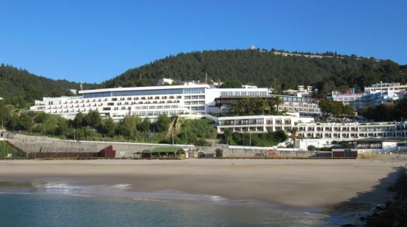 The Hotel do Mar's impressive beach situated in astounding Lisbon.