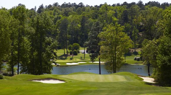 The Woodside Plantation Country Club's picturesque golf course situated in stunning South Carolina.