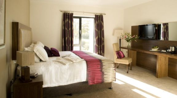 View Ballyrobin Country Lodge's scenic double bedroom within amazing Northern Ireland.