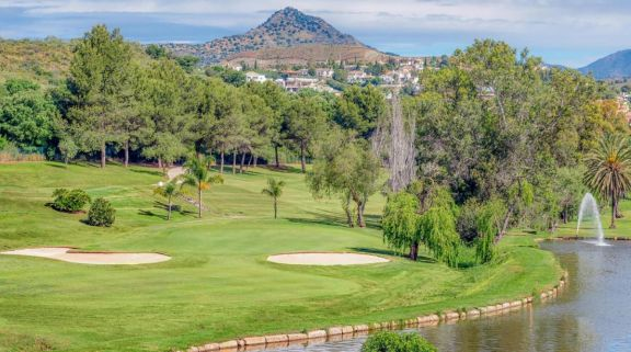 View El Paraiso Golf Club's impressive golf course in dazzling Costa Del Sol.
