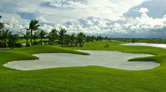 The Laem Chabang International Country Club's scenic golf course in sensational Pattaya.