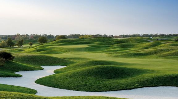 Le Golf National has several of the top golf course in Paris