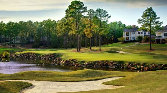 Pinehurst Resort Golf offers several of the finest golf course within North Carolina