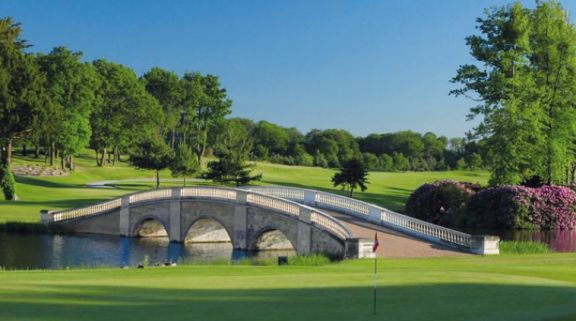 Stoke Park Country Club consists of lots of the finest golf course near Buckinghamshire